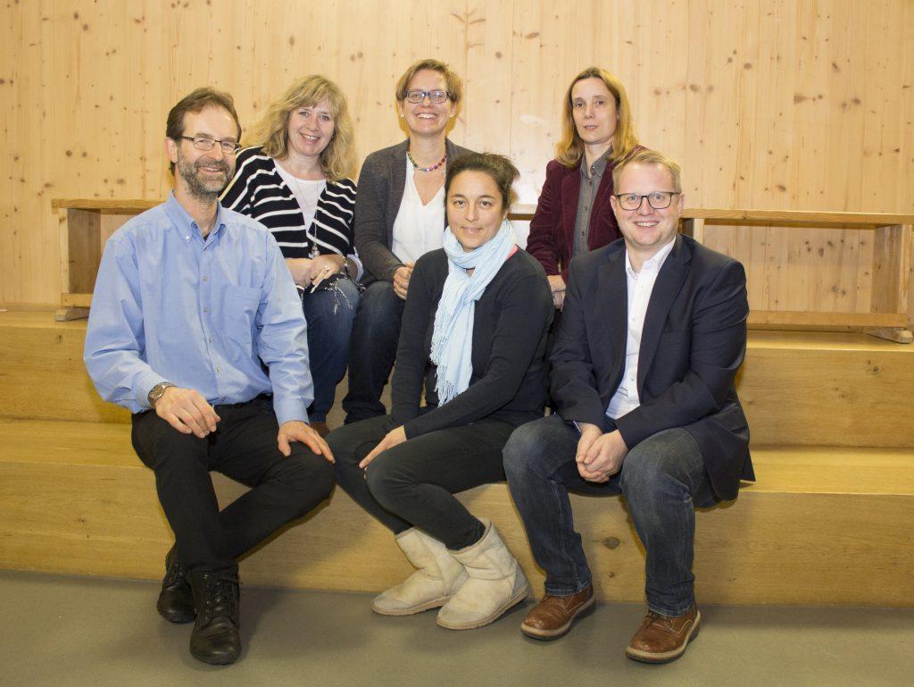 von links: Stephan Abel (Beisitzer), Claudia Lechner (Schriftführerin),  Melanie Tischner (2. Vorsitzende), Thamina Schreiber (1. Vorsitzende),  Annett Soravia (Vorstand Finanzen), Tobias Jungwirth (Beisitzer)
